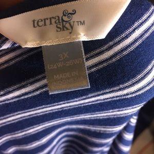 Terra & Sky Tops - Bundle Terra & Sky Women's Plus Ruffle Sleeve Tees